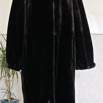 Vintage 1960s Plush + Faux Fur Cocoon Coat
