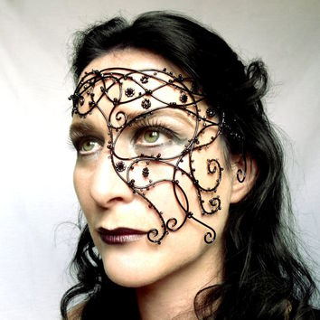 Gothic Vine Half Mask on Luulla