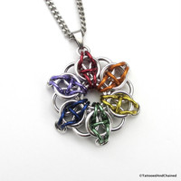 Gay pride chainmaille star pendant; rainbow