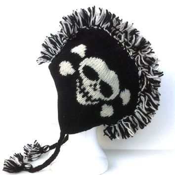Mohawk Skull & Cross Bones Knit Hat In Black/White | Thirteen Vintage