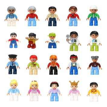 Big Blocks Role Play Dolls Grandpa Grandma Mom Dad Prince Princess Police Clown Cinderella Pirate Doctor Fireman Figure Toys