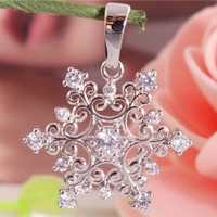 Beautiful 1pc Silver Cubic Zirconia Nice Snowflake Necklace Pendant