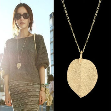 Fashion Thick Leaf Pendant Necklace [9791271439]