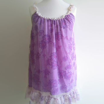 Purple floral vintage nightgown - 1970s psychadelic babydoll - lilac flowery nightdress -  70s nylon lingerie