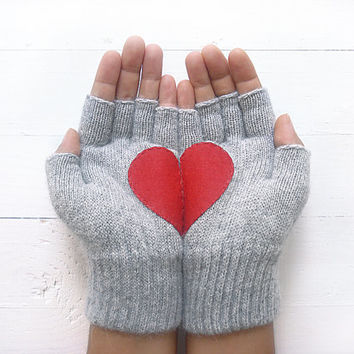 VALENTINE'S DAY Gift, Heart Gloves, Grey Gloves, Gray, Red Heart, Special Gift, Gift For Her, Love, Valentine's Gift, Gift Idea, Girl