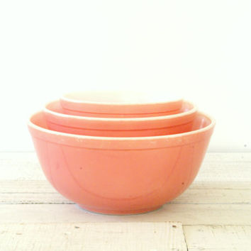 Pink Pyrex Nesting Bowls // Set Of Three