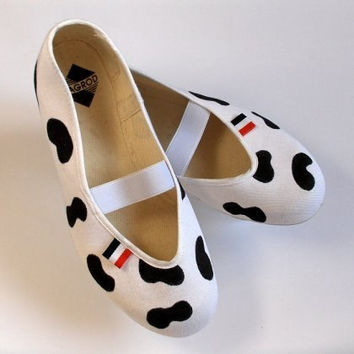Happy cows /ballet flats shoes jarmilki poletsy fashion gift crazy funny children girl teen white black cow patch hand painted autumn fall