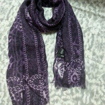 CREYRQ5 New VERSACE women scarf .Made in Italy. 60X200cm. Modal90%+Cashmere10%.