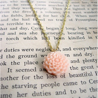 The Penelope Delicate Light Pink Flower Necklace by sodalex