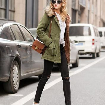 Women and Men High Quality New Long Padded Coat Warm Womens Winter Outerar Coats Army Green and Black Hooded Coat Lined Overcoats