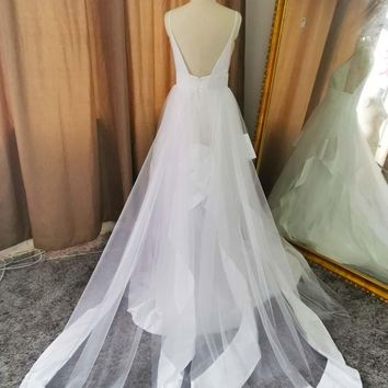 Lakshmigown V Neck Spaghetti Straps Backless White Long Wedding Dresses with Train Elegant country Bridal Wedding Gowns