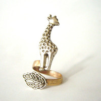 giraffe ring with a leaf wrap ring