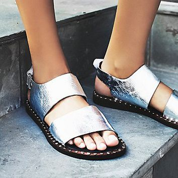 Jeffrey Campbell  + Free People Womens Ramsey Sandal