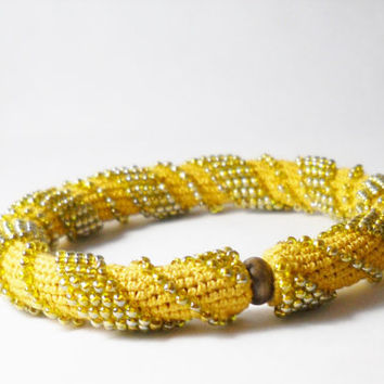 Gold tone bracelet - Spiral crochet rope with beads - Beaded bracelet -Yellow