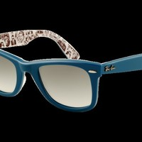 Comic Turquoise Original Wayfarer Sunglasses | Official Ray-Ban Store
