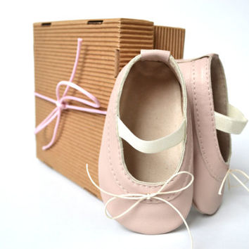 530ded95e640 Handmade soft sole leather baby shoes   Baby girl ballet shoes   Baby girl  ballet flats