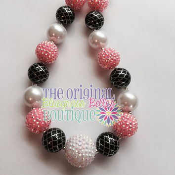 Pink and black quatrefoil bubblegum necklace and matching hairbow set