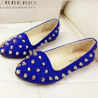 Fashion European Style   Rivet Flat Shoes