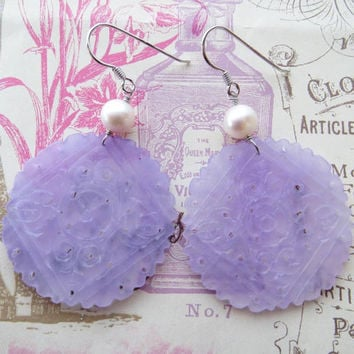 Carved lavender jade earrings, uk gemstone earrings,  freshwater pearl jewelry, sterling silver 925, holiday gift, jewels Made in Italy