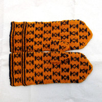 knitted wool mittens, handknit latvian mittens, knitted pattterned orange black mitts, knit winters gloves, eco friendly hand warmers,