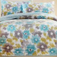 "Comfortable Elegance Magdalena Queen Size Reversible 3-Piece Quilt Set: 1 Quilt (86"" x 86"") and 2 Pillow Shams (20"" x 26"")"