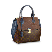 Products by Louis Vuitton: Majestueux Tote MM