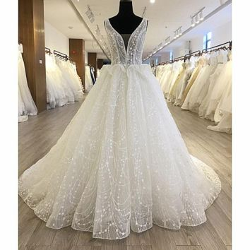 Shinny Bling Wedding Dress New Design Bridal Gown V Neck Ball Gown Illusion Button Back