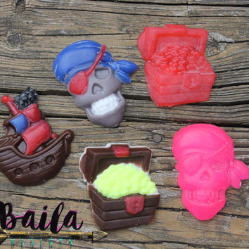 pirate soap,skull soap,pirate party, nautical party, novelty soap, handmade soap, kids soap, soap favor, pirate girl, any color, soap favors