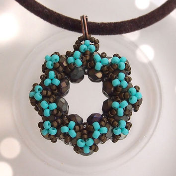 Tutorial Annie Donut Pendant - Beading pattern, RAW, Triangle weave, beaded pendant