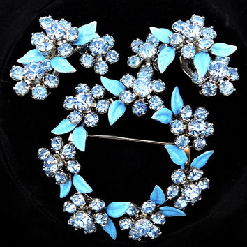 Weiss Blue Floral Brooch, Clip On Earrings, Glass Rhinestones, Vintage Jewelry Set