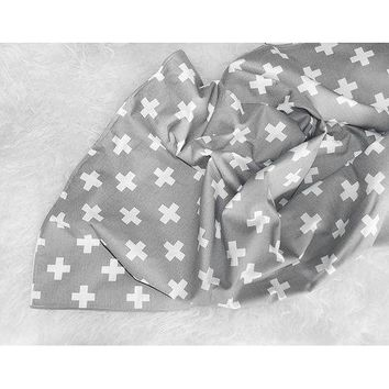 Gray & White Large Swiss Cross Blanket - Olli Lime