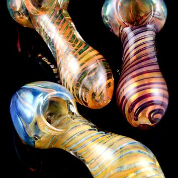 Gold Fumed Swirl Glass Pipe - P1567