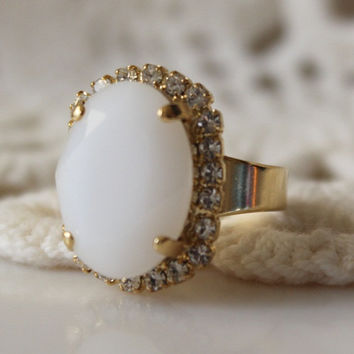White Ring Victorian Inspired, Adjustable Swarovski Crystal Ring, Halo Ring, Cocktail Ring. Statement Ring. Oval Ring White Alabaster