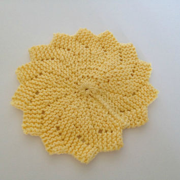 Hand knit dishcloths, cotton dishcloths, trivet hot plate, kitchen hot pads, knit washcloth, star shaped, dish scrubber, yellow kitchen