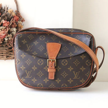 Louis Vuitton Jeune Fille malletier, Louis Vuitton Bags, Louis Vuitton Handbags, Louis Vuitton Purses, designer handbags, brown bag