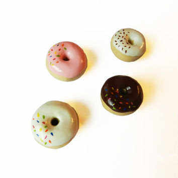 Donut Magnets - Set of 4 - Food Magnets - Kitchen Magnet - Polymer Clay Magnets - Small Magnet - Doughnut Magnet - Miniature Food