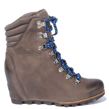 SOREL Lace Up Distressed Conquest Wedge Chunky Tread Hiking Bootie in Kettle Aviation