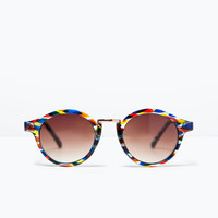 Muticolored sunglasses