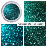 Captain of Her Heart Glitter Pigment