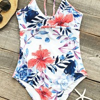 Cupshe Delicate Flowers Print One-piece Swimsuit