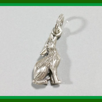 Vintage Silver Charm Howling Coyote Southwest Southwestern Style Desert Dog Charm Sterling Charm Bracelet or Necklace Pendant Adornment