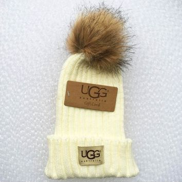 UGG Fashion Men And Women Knitted Cap White