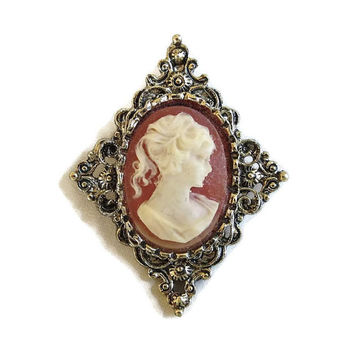Lady Cameo Brooch or Pendant Vintage signed Gerry's