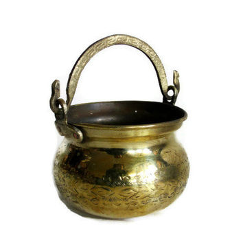 Vintage CAULDRON brass plated copper - HANDLED mini planter pot - Wiccan decoration - Patio, porch decor Metal hanging Pail bucket - CRACKED