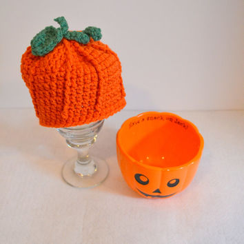Baby Pumpkin Hat, Crochet Beanie, Halloween Costume, Newborn Photo Prop, Infant Pumpkin Costume
