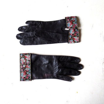 Vintage 1950s Gloves / Black Leather Gloves with Floral Cuffs / 50s Gloves