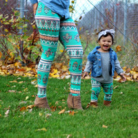 Christmas Family Matching Outfits Mother daughter pants 2017 EU poplar Lycra feet printed Leggings Mommy and me fashion WT5001
