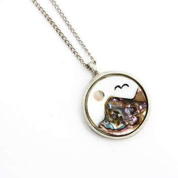 Abalone and Mother of Pearl Pendant Necklace