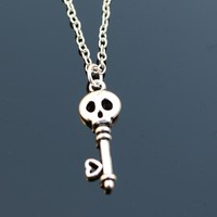 N2061 Skull Necklaces & Pendants Men Women Key Necklace Bijoux Steampunk Fashion Jewelry Collares Colar