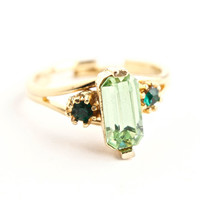 Vintage Rhinestone Cocktail Ring - Size 7 Adjustable Green Glass Stone Costume Jewelry / Faceted Lime